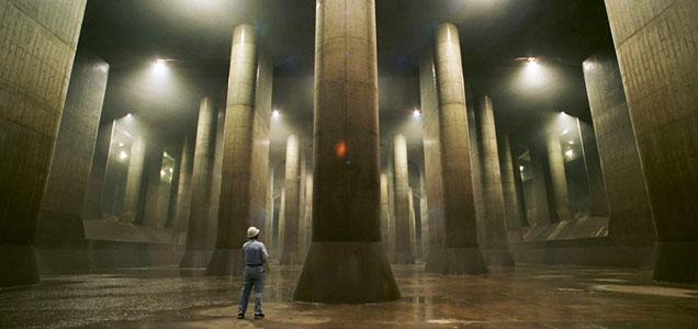 幻の河・『龍Q館』を戦闘地域と予想する。