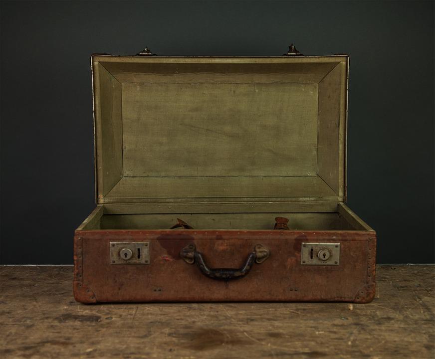 briefcase-923847_960_720